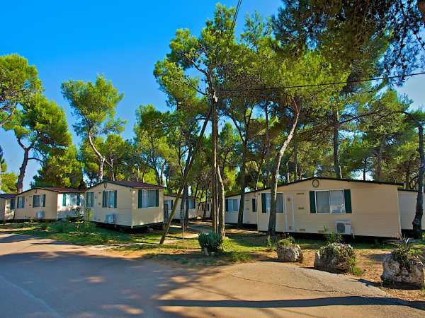Mobile homes in Arena Camping Indije in Banjole near Medulin and Pula in Croatia